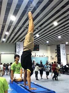『體操基礎動作-手倒立 HANDSTAND』