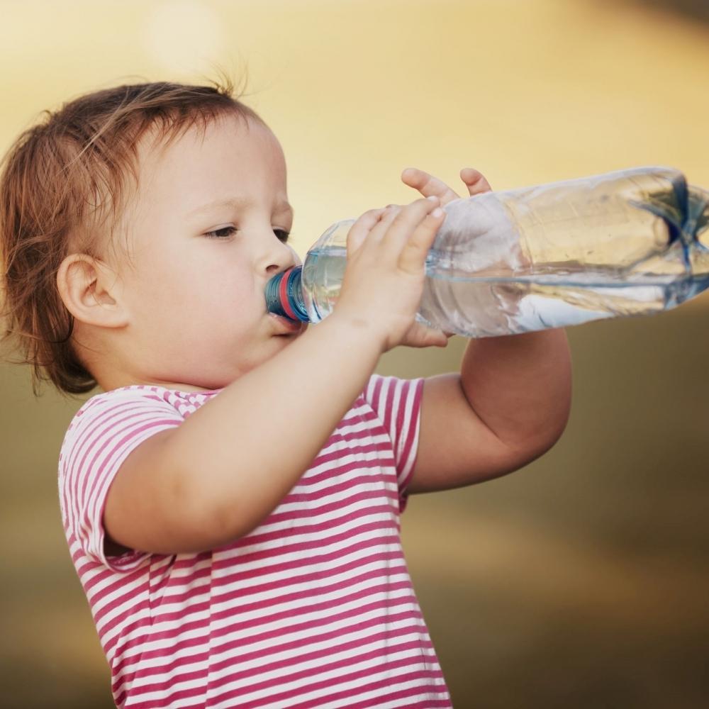 兒童冬天勤喝水 避免