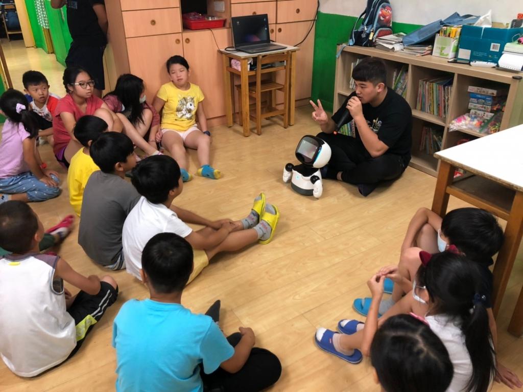 2020暑期課程:凱比機器人