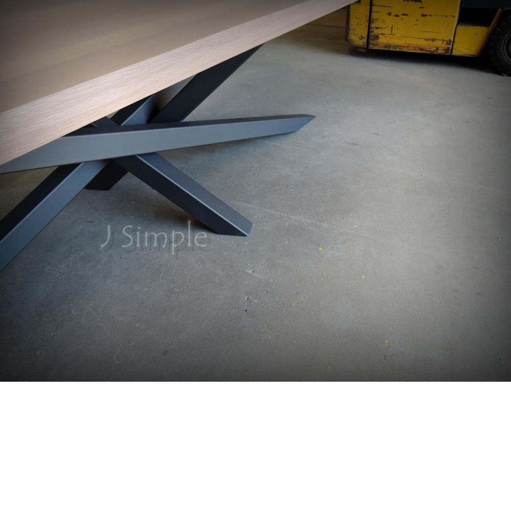 交錯鐵腳實木桌