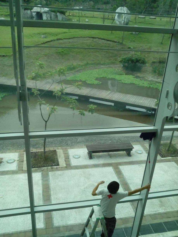 中央研究院高空玻璃清潔作業
