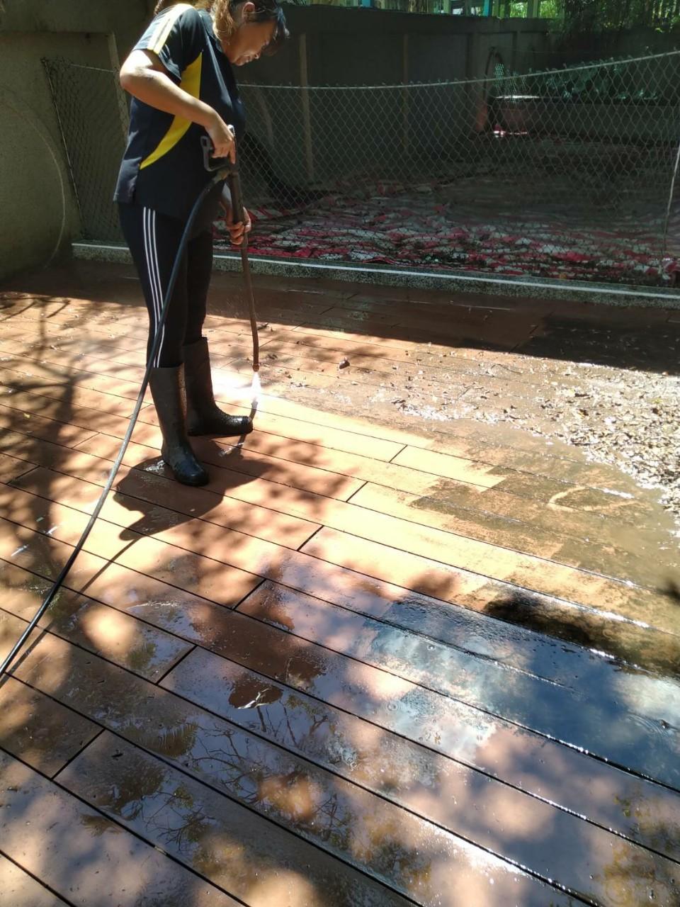 木柵區知名社區高壓清洗庭園工程