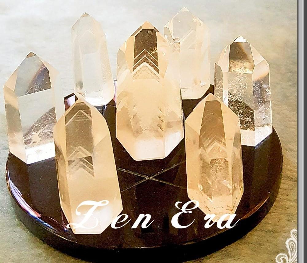 白幽靈金字塔天然水晶